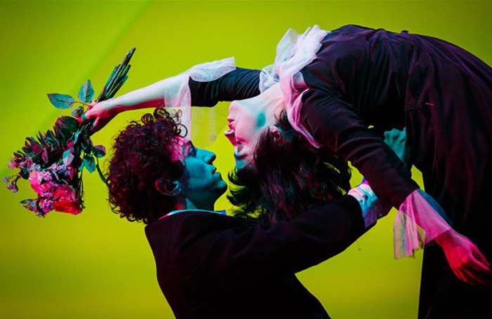 Kneehigh-The-Flying-Lovers-of-Vitebsk-4-c-Steve-Tanner-Marc-Antolin-as-Marc-Chagall-Audrey-Brisson-as_Main